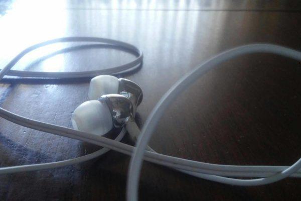 Philips SHE3700BK Cuffie Auricolari recensione 600x400 - Philips SHE3700BK Cuffie Auricolari - opinione e recensione